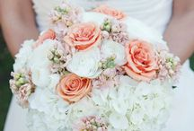 Wedding Boquets / by Heart Emoticon