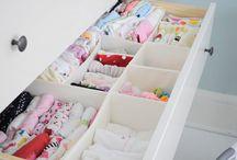 Organização - Quarto de bebê / A chegada de um bebê muda muita coisa na nossa vida.  Não deixe de aproveitar minutos preciosos durante a sua gravidez porque você precisa organizar tudo para a chegada do novo integrante da família. Organizamos as roupinhas, acessórios necessários para trocar fraldas, brinquedos, damos consultoria sobre a disposição dos móveis, pintamos as paredes, instalamos prateleiras, enfim, deixamos o quartinho do seu bebê do jeitinho que você sempre sonhou!!