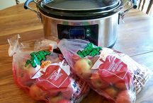 Slow Cooker Recipes / by Gayle Neher