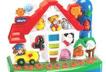 Jucarii pentru copii / Copiilor le place să se joace, iar jucăriile pe care le folosesc trebuie să fie potrivite pentru ei.. Jucarii copii, jucarii pentru fete si baieti, jucarii pentru bebelusi. Cea mai variata paleta de jucarii pentru copii si nu numai.