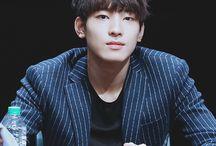 원우 (Wonwoo)
