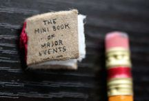 The mini book of major events / The mini book of major events. Un proyecto de Evan Lorenzen.