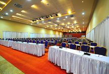 Conference Rooms / Speke Resort & Conference Centre is the ideal location for your wedding or banquet, either outside (in one of our marquees) or in one of the banqueting halls.