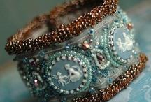 Attractive jewels, jolis bijoux / by Florence Gravot Créations