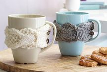 Stricken für den Wohnbereich / Kostenlose Anleitungen zum Thema Stricken im Wohnbereich. Egal ob Deko, Decken, oder Kissen - Wiese Werke aus Wolle verschönern deinen Wohnbereich.