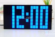 Wall clock/light
