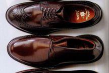 ブーツ、革靴