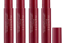 Carryon Lip and Cheek Gel / A portable lip + cheek gel crayon that provides the shine of a gloss and wear of a stain. Enriched with shea butter, avocado oil, and jojoba seed oil to provide instant and continuous hydration.