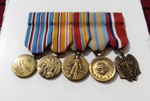 Miniature american medal bar / 5 pieces includes: american campaigm medal, asiatic pacific campaign medal, WWII victory medal, armed forces reserve medal and phillippine liberation medal