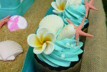 Beach and Moana Cupcakes