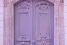 Portas e Janelas. Doors and Windows
