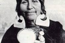 Mapuches / Pins relativos a la cultura Mapuche