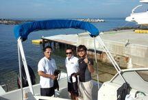 レティシアマリンクラブ / ~The friends who love the sea supremely~ マリンスポーツのメッカ湘南に海好きの仲間達が作ったマリンクラブ。結成してはや11年、四季を通じて海を楽しむ!がクラブモットーです。神奈川県横須賀市の荒崎マリーナにヤマハFR25を所有し、メンバーは13名(30、40代の男女中心)ですが、marine関係の仕事に携わるメンバーが多く、ベストシーズンの夏を楽しんでいます。marine lifeに憧れているメンバーばかりです。 http://blog.livedoor.jp/umeh137/