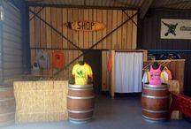 Boutique de Skydive Soulac / Découvrez en photos notre boutique ! Nous proposons des tee-shirts, débardeurs et sweats de la taille S à L pour hommes et femmes. N'hésitez pas à nous contacter pour plus d'informations :)