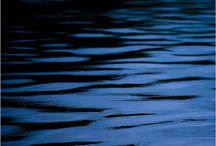 """Exhibition """"N. BIAZZETTO NETO"""" / O movimento da água é o elemento de inspiração no trabalho fotográfico de Nilo Biazzetto Neto. As imagens revelam harmonia e sobreposições onde a fluência do movimento transformam a acção em uma passagem que por um instante permeia o espetáculo."""