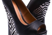 shoesiessss / by Sophia Gonzales