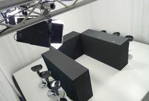 LE STUDIO TV / Studio TV tout équipé Paris , plateau TV sur une estrade de 30m2, une régie tout équipée fermée de 10m2 et un espace préparation/détente de 60 m2.