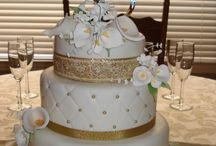 cakes / by Amy Romero