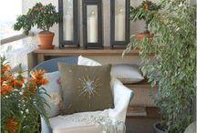 Balkon sidetable met lantaarns