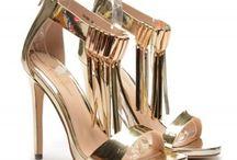 Sandale de dama cu toc / http://belladiva.org/sandale-cu-toc-inalt-modele-elegante-pentru-vara-2016/