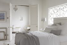 Beautiful Bedrooms / by Thea Rossouw