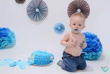 Acompanhamento do bebê / O Programa Acompanhamento do Bebê consiste aos pais trazerem seu filho todo mês para fotografarmos utilizando diversos cenários e acessórios. Neste Programa, estaremos juntos durante o desenvolvimento do seu bebê e nos orgulhamos imensamente de fazermos parte de sua história.
