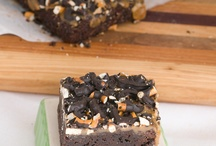 Brownies I want to bake / Brownies, brownies, brownies! Get all the amazing brownie recipes here! / by Pint Sized Baker