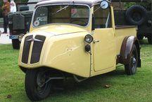 Borgward-Hansa-Goliath-Lloyd / 1890-1963 Carl F. W. Borgward tarafından kurulan Alman otomobil üreticisi firmadır. Şirketin merkezi Bremen'deydi 1961'de iflas etti. Borgward , Carl FW Borgward tarafından kurulmuş bir otomobil üreticisidir (10 Kasım 1890 - 28 Temmuz 1963). Merkezli orijinal şirket, Bremen içinde Almanya Borgward,:, Borgward grup otomobillerin dört markaları üretti 1961 yılında durduruldu Hansa , Goliath ve Lloyd .