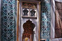 Kütahya çini seramik  ve iznik desenleri iznik tiles hand made ceramic tiles interior decorations / Kütahya ve İznik çinileri. Çini desenli seramik ve mozaik karolar. Cami, mescit, kubbe, otel banyo türk hamamı için çini dekorasyon, Otel, spa türk hamamı, havuz seramikleri yer ve duvar çini seramik fayans dekorasyonu. osmanlı çini desen ve motifleri, mihrap minber ve kürsü işleri. iç cephe ve dış cephe kaplama işleri. Hediyelik çini seramik, porselen eşyalar. mosque decorations masjid interior exterior dome gift material interior, oriental, ceramic, mosaic, tiles.
