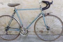 vélo vintage / Plaein de photos de cyclos anciens et de pièces détachés. Retrouvez nous sur la boutique en ligne www.deco-collection.fr ou dans ma boutique ebay.