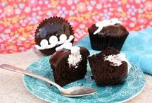 delicious deserts cakes cookies smoothies / by Nilda Cardona