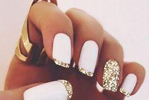nails addiction