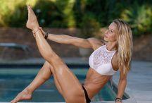 Gym Girls Barefoot