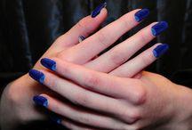 nails / by Sara De Jong