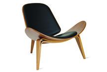 Muero por... el juego de las sillas / Fórmula: cuatro patas, asiento y respaldo. Fórmula perfecta: diseño, cuatro patas, asiento y respaldo.