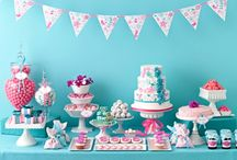 Aqua & Pink Cupcake Display / by Bella Cupcake Couture