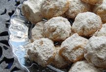 grain free Christmas cookies / by Jessica Goodwin