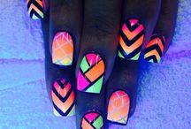 Noen nail polish