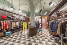 Get Store - Fossano, CN / Il progetto Get Store nasce da una sfida affascinante e impegnativa: creare un luogo che evochi uno stile. Il negozio propone brands e oggetti dal sapore autentico e artigianale attraverso un'atmosfera accogliente, fatta di dettagli raffinati e riferimenti colti, con un'ispirazione Anni '50.