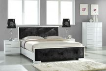Contemporary Bedroom ideas / Black and white color scheme is always timeless. It can be combined in any styles of bedroom design ideas. Touch of black and white always brings elegant, artistic, strong, unique, and outstanding elements. Black and white bedroom ideas not only give chic design, but also modern feel. So, if you are modern design lover, here are inspiring pictures of black and white bedrooms that will make you amazed.