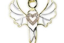 Meleklerin Işığı Hep Üzerimizde / İster kalpten sessizce isteyin, ister minicik bir fısıltıyla söyleyin. Bir melek tutun kalbinizden geçen her dilek gerçek olsun