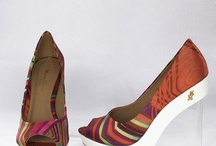 Beautiful shoes / by Miri Nunes