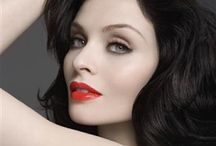 ♥ Sophie Ellis-Bextor  / Her make-up and her style!
