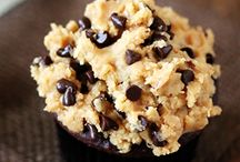 I like cupcakes / by Paula McKeeton Hemingway Chirillo