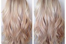 Långt blont hår