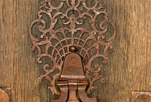 kapı,pencere ,kol,tokmak ,kilit, menteşe ve ferforje / motifli el işi kapı, pencere ve aksesuarları