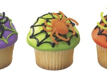 "Spooktacular Halloween / Find everything you need to create a ""fang""tastic Halloween for your family! From sweet treats to spooky party ideas this is the place to find everything you need for your Halloween Celebration!  / by DecoPac Inspirations and Cake Ideas"