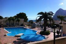 Calamancina - San Vito lo Capo / Un villaggio immerso nel verde. Una baia incantevole di spiaggia finissima. Una estate lunga un anno.