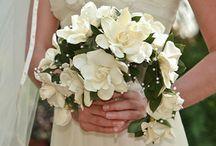 semi crescent bouquet
