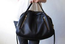 Purses i really love!!! / by Rosy Barrientos
